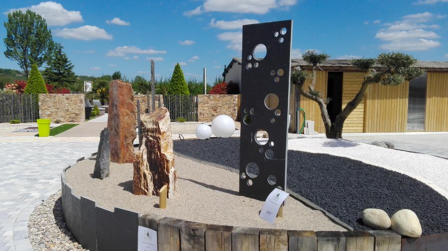 Magasin d 39 objets de d coration de jardin dans le lot et for Plaque ardoise jardin
